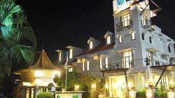 Tampak suasana hotel El Hotel-Grande Malang yang alih fungsi menjadi isotel, atau hotel untuk isolasi mandiri pasien Covid-19. (Foto: Dokumen/El Hotel Grande Malang) tugu jatim