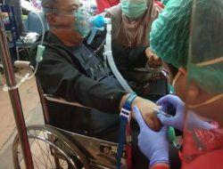 Kadis Kesehatan Bantu Pemakaman Cucun Mansur di TPU Keputih Surabaya