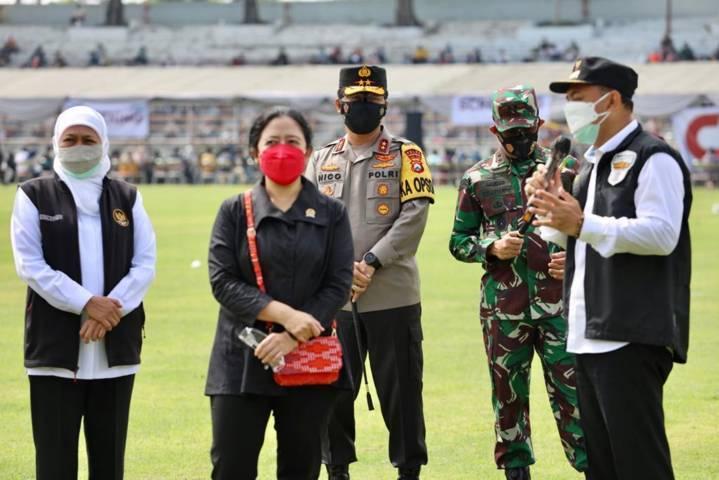 Pengecekan vaksinasi Covid-19 oleh Forkopimda Jatim di Stadion Gelora 10 Nopember Surabaya, Kamis (08/07/2021), (Foto: Polrestabes Surabaya)