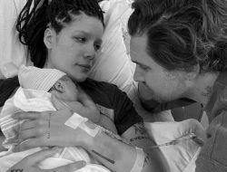 Halsey Umumkan Kelahiran Anak Pertama, BTS Ucapkan Selamat