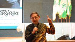Hermawan Kartajaya selaku Founder Markplus. Inc saat mengisi acara di Universitas Nahdlatul Ulama Surabaya (Unusa) tahun 2019 silam. Ia terpilih sebagai Incoming Chair dari The International Council for Small Business (ICSB) Global. (Foto: Dokumen/Unusa)