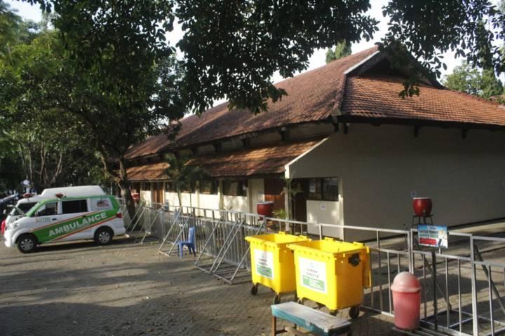 Balai Latihan Kerja (BLK) Kota Kediri yang menjadi tempat isolasi terpusat. (Foto: Rino Hayyu/Tugu Jatim) isoman, kota kediri,