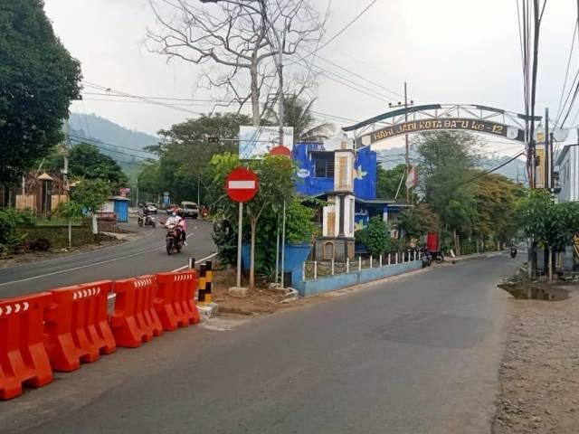 Jalur Wisata Songgoriti Kota Batu yang akan diperbaiki sekaligus ditingkatkan kualitas jalannya agar wisata di kawasan tersebut meningkat. (Foto: M Sholeh/Tugu Malang/Tugu Jatim)