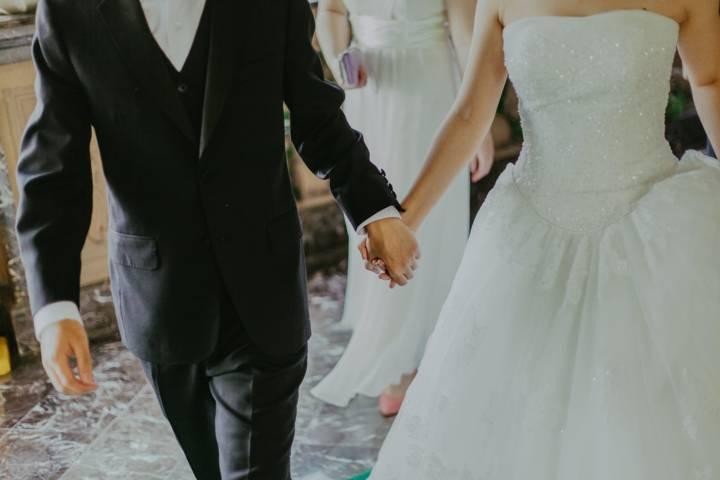 Ilustrasi pernikahan di Kota Malang. (Foto: Pexels/Tugu Jatim)