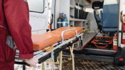 Ilustrasi ambulans dan isi ulang tabung gas gratis 24 Jam Nonstop. (Foto: Pexels/Tugu Jatim)