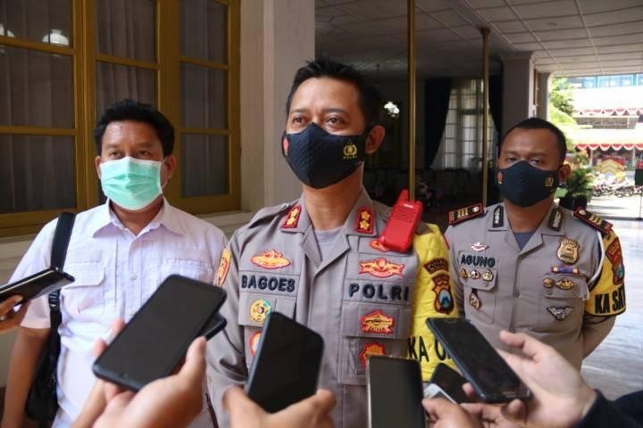 Kapolres Malang AKBP, Bagoes Wibisono ketika memberikan keterangan pada awak media. (Foto: Rizal Adhi/Tugu Malang/Tugu Jatim) vaksin