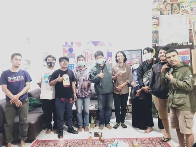 Kerabat Perhimpunan Pers Mahasiswa Indonesia (PPMI) Kota Malang di Kantor Tugu Media Group Jalan Dirgantara A1/12B Kota Malang, Sabtu (03/07/2021). (Foto: Rangga Aji/Tugu Jatim)