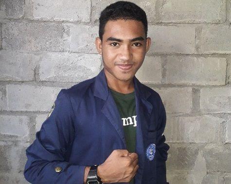 La Ode Abdul Farid berhasil menyabet juara satu lomba solo vokal dangdut di IPB University/tugu jatim