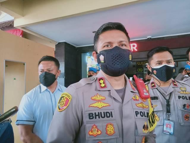 Kapolresta Malang Kota AKBP Budi Hermanto saat menjelaskan terkait penangkapan terduga teroris di Kota Malang, Senin (16/08/2021). (Foto: Rizal Adhi Pratama/Tugu Jatim)