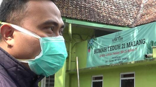 Rumah Teduh 21 Kota Malang juga menyediakan peminjaman tabung oksigen gratis bagi pasien Covid-19, Jumat (13/08/2021). (Foto: Rizal Adhi Pratama/Tugu Jatim)