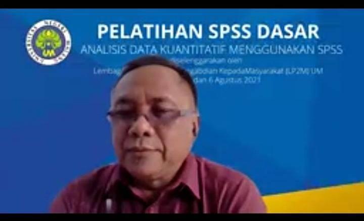 """Dr Hendro Permadi MSi, salah satu pemateri Pelatihan Dasar SPSS bertajuk """"Analisis Data Kuantitatif Menggunakan SPSS"""" pada Kamis (05/08/2021). (Foto: Mila Arinda/Tugu Jatim)"""