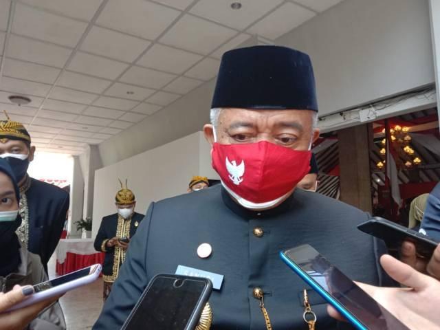 Bupati Malang H.M. Sanusi setelah upacara HUT RI ke-76 pada Selasa (18/08/2021). (Foto: M. Sholeh/Tugu Jatim)