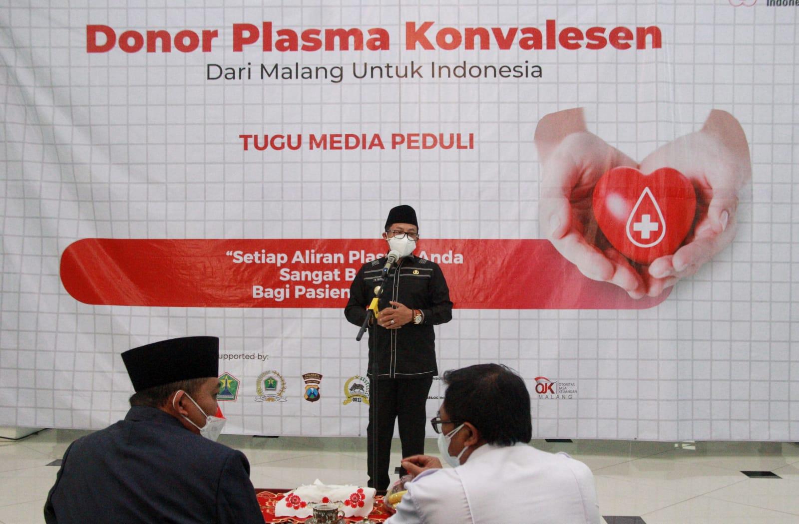 Wali Kota Malang Sutiaji saat memberikan sambutan pada kegiatan donor plasma konvalesen yang digagas Tugu Media Group di Aula Kantor DPRD Kota Malang pada Kamis (12/08/2021). (Foto: Rubianto/Tugu Jatim)