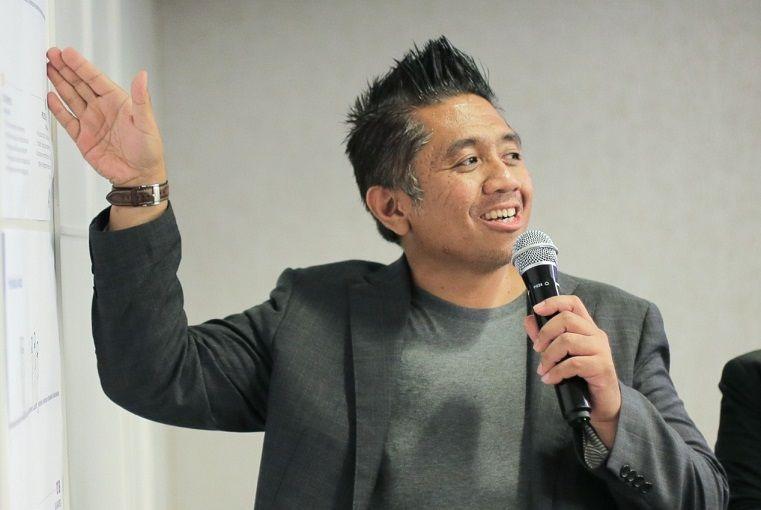 Hendro Fujiono dalam suatu acara/tugu jatim