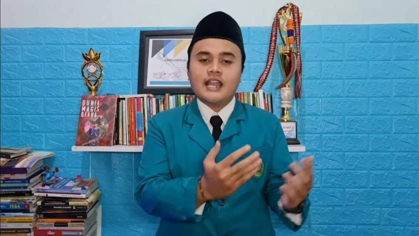 Muhammad Afnani Alifian, mahasiswa Unisma yang merupakan 1 dari 90 mahasiswa yang lolos tahap 1, Pilmapres tingkat nasional. (Foto: Dokumen) tugu jatim
