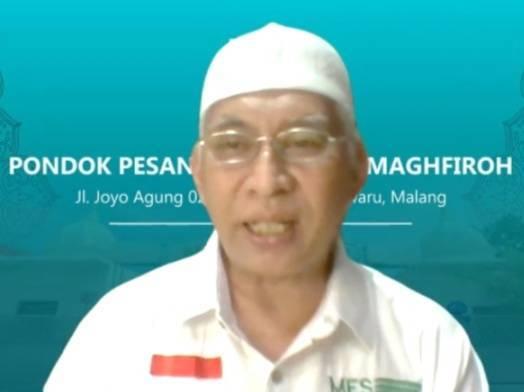Pembina MES Malang Prof M. Bisri dalam webinar Sistem Penjaminan Mutu Halal Internal pada Sabtu (21/08/2021). (Foto: M. Sholeh/Tugu Jatim)