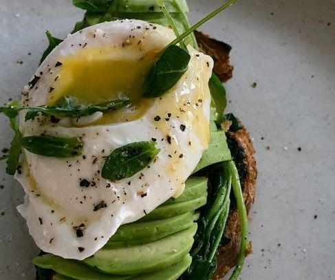 Salah satu jenis makanan yang bisa meningkatkan metabolisme tubuh/tugu jatim