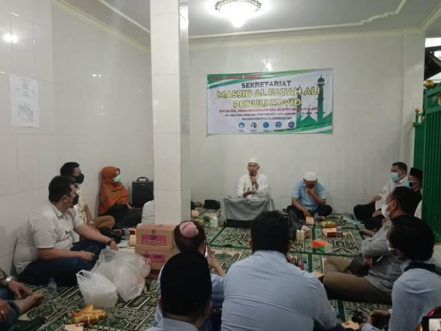 Ketua Takmir Masjid Peduli Covid Prof Dr Ir Muhammad Bisri MS menyampaikan pemaparannya soal Masjid Peduli Covid pada Selasa (03/08/2021). (Foto: M. Sholeh/Tugu Jatim)
