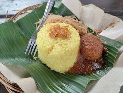 Nasi Kuning Bumbu Bali dan Masak Habang, Berbeda Namun Tetap Nikmat
