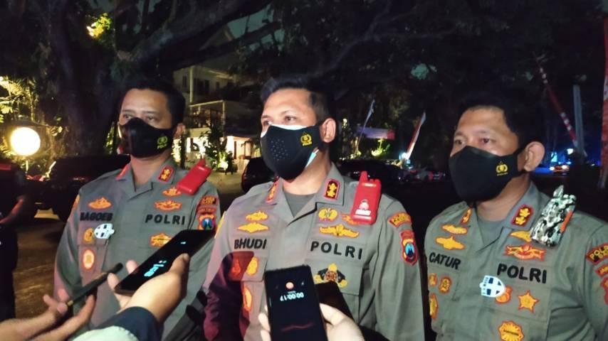 Kapolresta Malang Kota, AKBP Budi Hermanto (tengah). menyatakan 57 anggotanya siap jadi pendonor Bank Plasma Konvalesen yang digagas Tugu Media Group. (Foto: M Ulul Azmy/Tugu Malang/Tugu Jatim)