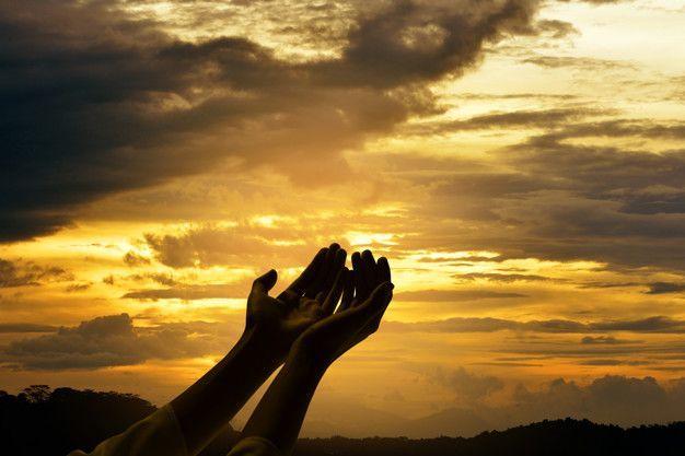 Ilustrasi puisi Tuhan Tempat Bersandarmu/tugu jatim