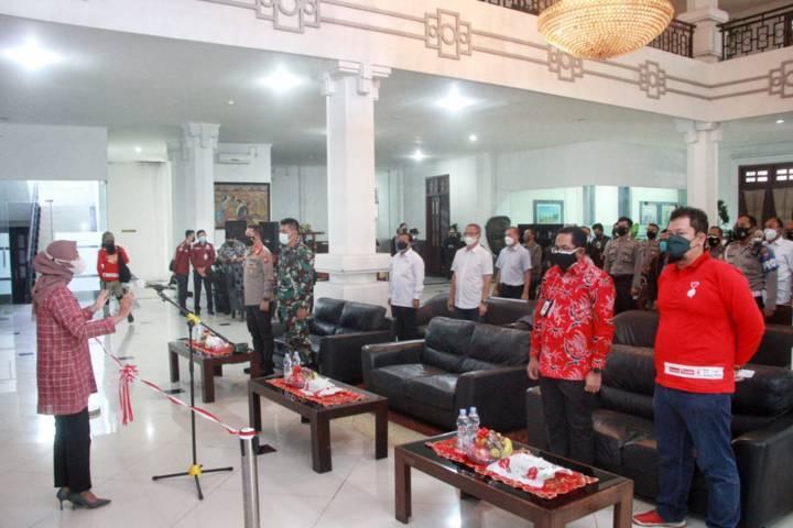 Suasana kegiatan donor plasma konvalesen yang digagas Tugu Media Group di Aula Kantor DPRD Kota Malang pada Kamis (12/08/2021). (Foto: Rubianto/Tugu Malang/Tugu Jatim)