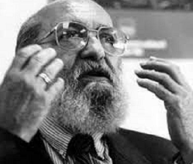 Paulo Freire, pemikir dan penggagas pendidikan yang membebaskan/tugu jatim