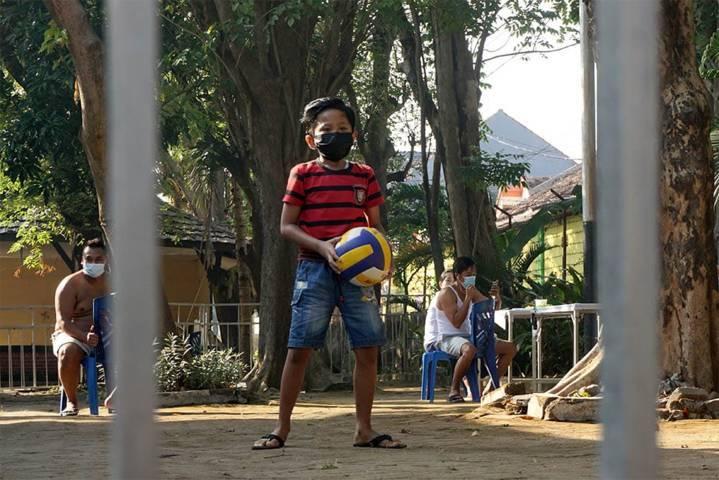 Wali Kota Kediri Mas Abu terus memperhatikan anak-anak di Kota Kediri yang terdampak Covid-19, Senin (16/08/2021). (Foto: Rino Hayyu Setyo/Tugu Jatim)
