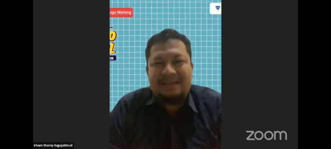CEO Tugu Media Group Irham Thoriq saat memberikan sambutan di gelaran Tugu Media Group X Paragon Goes to Campus di SMAN 2 Trenggalek secara virtual, Sabtu (7/8/2021). (Foto: Dokumen/Tugu Malang/Tugu Jatim)