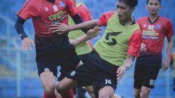 Para pemain Arema FC yang tengah semangat berlatih di Stadion Kanjuruhan, Kepanjen, Malang, Selasa (31/8/2021) untuk songsong Liga 1 2021/2022. (Foto: Instagram/Arema FC Official) tugu jatim