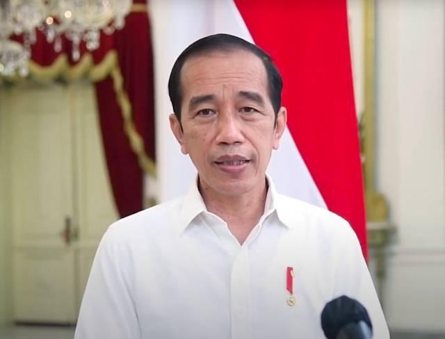 Presiden Joko Widodo saat menyampaikan biaya tes PCR diturunkan jadi Rp450 ribu hingga Rp550 ribu. (Foto: YouTube/Sekretariat Presiden) tugu jatim tes pcr jokowi