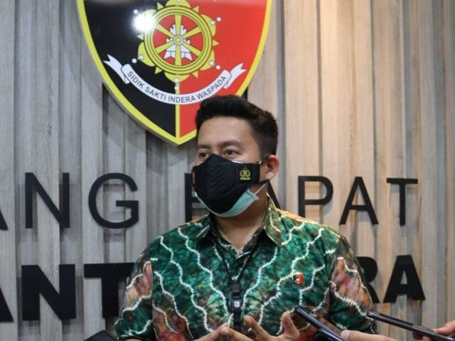 Kasat Reskrim Polres Malang, AKP Donny Baralangi. (Foto: M Sholeh/Tugu Malang/Tugu Jatim) tes pcr, pemkab malang