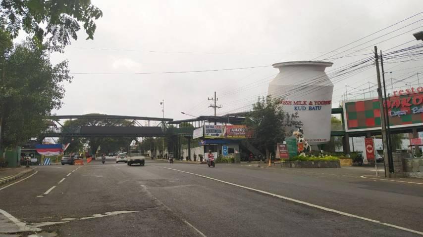 Kawasan Jalan Ir Soekarno yang berada di Desa Mojorejo yang menjadi pusat wisata di Kota Batu, nanti akan dibangun KEPT untuk meningkatkan aktivitas ekonomi warga. (Foto: M Ulul Azmy/Tugu Malang/Tugu Jatim)