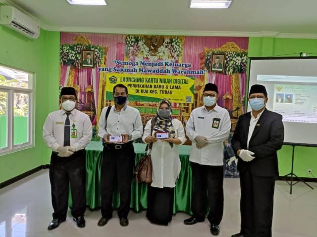 Kepala Kemenag Tuban meluncurkan Kartu Nikah Digital yang dipusatkan di Kantor Urusan Agama, Kecamatan Tuban, Kabupaten Tuban, Senin (2/8/2021). (Foto: Humas Kemenag Tuban) tugu jatim