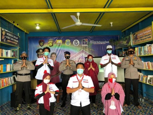 KKN_Kebangsaan tersebut juga mendapat support dari Direktorat Kepoilisian Perairan dan Udara Polda Jambi dan Bhayangkari Bahari atau biasa dikenal dengan Polda Airud Kampung Laut selaku pendiri Rumah Baca. (Foto: Dokumen) tugu jatim