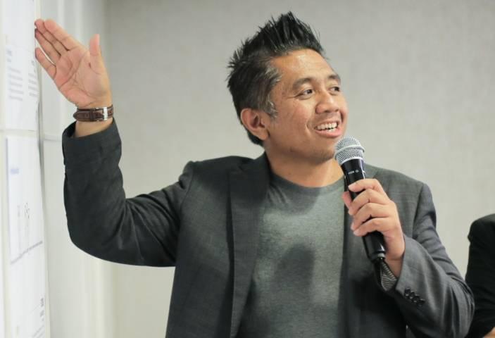 Hendro Fujiono yang kerap disapa Abang Fuji, pebisnis sukses dari Indonesia. (Foto: Dokumen) tugu jatim
