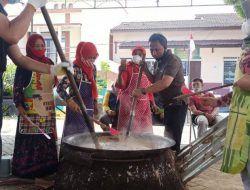 Melihat Tradisi 'Ngudek Jenang' untuk Tolak Bala di Desa Tulungrejo Kota Batu