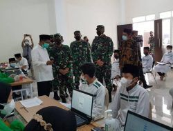 Pangdam V/Brawijaya Blusukan Tinjau Vaksinasi Santri di Ponpes Al-Izzah Kota Batu