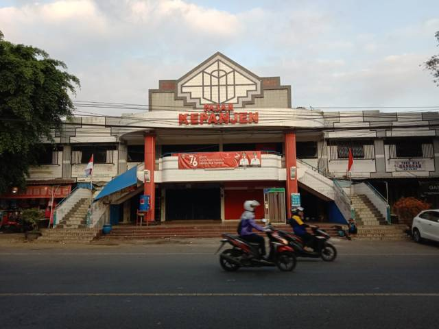 Suasana Pasar Kepanjen di Kepanjen, Kabupaten Malang yang dinilai sudah tua dan butuh perbaikan atau revitalisasi. (Foto: M Sholeh/Tugu Malang/Tugu Jatim)