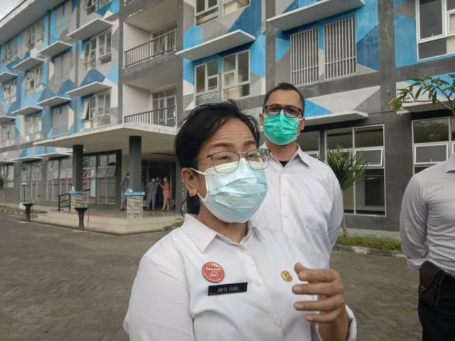Kepala Bidang Pelayanan Kesehatan Dinas Kesehatan Kabupaten Malang, Anita Flora saat ditemui di Safe House Rusunawa Kepanjen, Rabu (18/8/2021). (Foto: M Sholeh/Tugu Malang/Tugu Jatim)