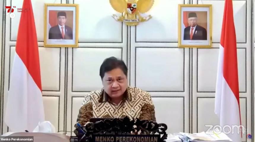 Menteri Koordinator Bidang Perekonomian (Menko Perekonomian) Airlangga Hartarto saat melakukan keterangan pers mengenai Evaluasi dan Penerapan PPKM, Senin (16/08/2021) malam, secara virtual. (Foto: Dokumen) ppkm covid-19