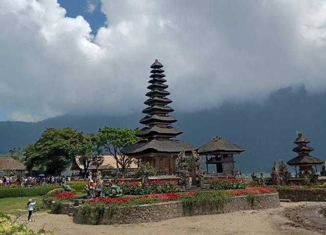 Tempat wisata Bedugul, Bali, sebelum pandemi Covid-19. (Foto: Mila Arinda/Tugu Jatim) menparekraf sandiaga uno wisata vaksinasi