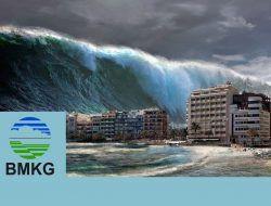 BMKG Minta Warga Waspada Tsunami 28 Meter di Pacitan Jawa Timur