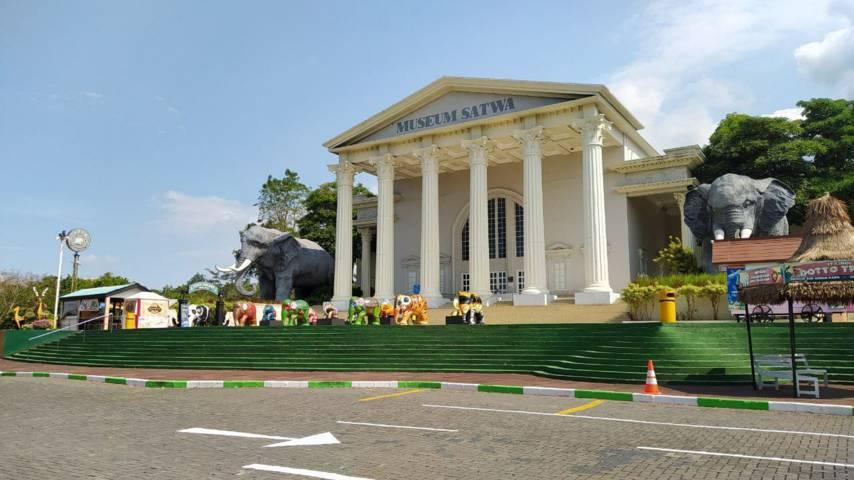 Museum Satwa Jatim Park 2, salah satu destinasi wisata yang mendapat rekomendasi uji coba pembukaan meski masih PPKM Level 3. (Foto:M. Ulul Azmy/Tugu Malang/Tugu Jatim)