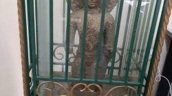 Arca Dhyani Buddha yang menjadi ikon Universitas Gajayana (Uniga) Kota Malang. (Foto: Rubianto/Tugu Malang/Tugu Jatim)