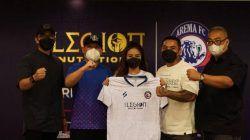 Arema FC usai melakukan perjanjian kerja sama di Jakarta Convention Center, Senayan, Jakarta, bersama sponsor utama yaitu The Legion Nutrition pada Sabtu (04/09/2021). (Foto: Media Officer Arema FC/Tugu Jatim)