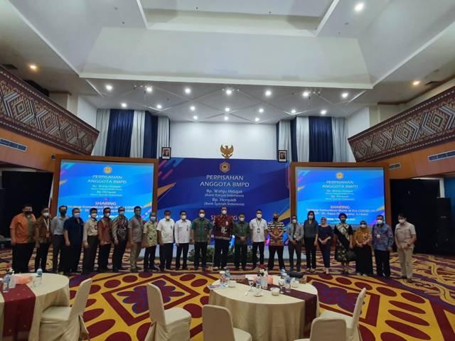Foto bersama usai sharing komunikasi dan motivasi dalam acara yang diselenggarakan BMPD di Padang, Sumbar, Selasa sore (07/09/2021).(Foto: Dokumen/Tugu Jatim)