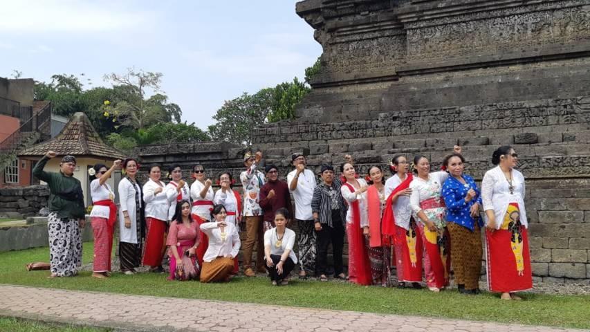 Perkumpulan Perempuan Bersanggul Nasional (PBN) bertandang ke Candi Jago dan Candi Kidal di Kecamatan Tumpang, Kabupaten Malang, Minggu (05/09/2021).(Foto: Dokumen/Tugu Jatim)