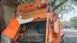Truk compactor pengangkut sampah milik DLH Kota Malang. (Foto: M. Sholeh/Tugu Malang/Tugu Jatim)