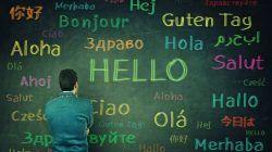 Ilustrasi orang yang bisa menggunakan beberapa bahasa atau polyglot/tugu jatim
